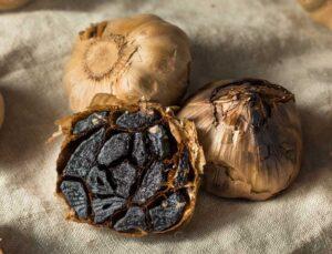 Kara Sarımsağın tanesi 15 ila 20 liradan satılıyor