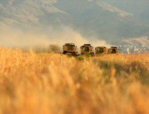 """bakan pakdemirli; """"tarım sektörü büyümeye devam ediyor"""""""