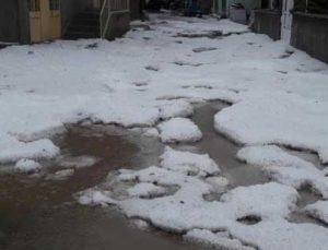 Tokat'ta dolu yağışı tarım arazilerini vurdu