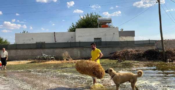 tarım için kullanılan su mahalleyi gölete çevirdi